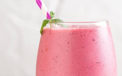Strawberries and Cream Smoothie (with sneaky veggies)